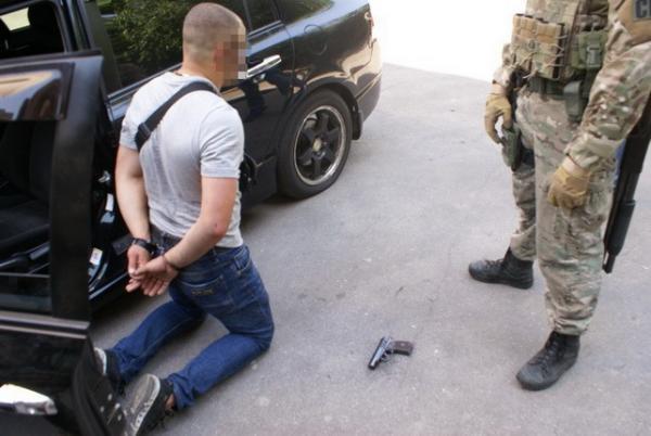 Действующие ибывшие полицейские вЗапорожье занимались разбойными нападениями