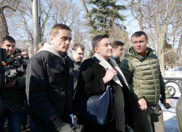 Сблагословения Рады Надежда Савченко отправилась визолятор СБУ